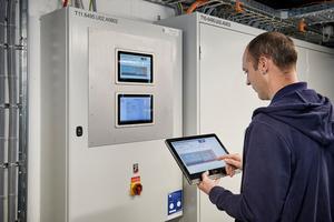 Via Tablet können über die von Systemair realisierte, integrierte Steuerung die Parameter der Rauchschutz-Druckanlage fernabgefragt und präzise nachjustiert werden.<br />