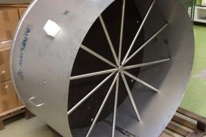 Die Experten der Airflow Lufttechnik GmbH entwickelten und bauten ein individuelles Messgerät für die Fraport AG – bestehend aus Staugitter, Wabengleichrichter, Prallplatte und Messgerät.<br />