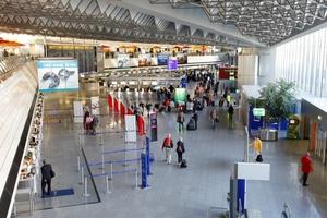 Während der Betriebszeit befinden sich rund 100.000 Menscen auf dem Frankfurter Flughafen.<br />
