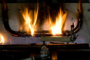 """Das Brandverhalten von Kabeln wird anhand von Kriterien wie der Flammenausbreitung und Wärmefreisetzung (sogenannter """"Heat Release""""), einer Rauchgasanalyse und der optischen Rauchentwicklung (""""Density"""") ermittelt.<br />"""
