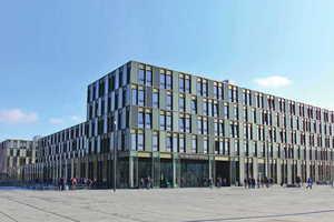 Ein echter Blickfang: das komplexe Gebäude der neuen FH Bielefeld.<br />