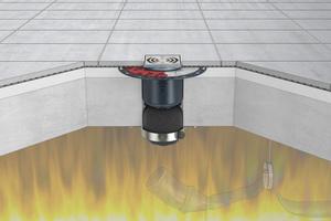 Die FireStop Brandschutzmanschetten in den Größen DN 90 und DN 110 werden bequem von unten an die Decke geschraubt – gerade bei schwierigen Einbausituationen eine deutliche Montageerleichterung.