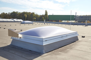 """<div class=""""bildtext"""">Die opalen Tageslichtelemente garantieren Wärmeschutz, Blendschutz und darüber hinaus absolute Dichtigkeit gegen Wasser und Wind.</div>"""