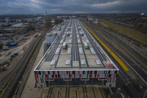 """<div class=""""bildtext"""">500 Meter lange Werkshalle mit Brandschutz ausgestattet </div>"""