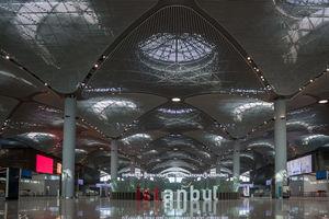 """<div class=""""bildtext"""">In der ersten Bauphase des Flughafens Istanbul von 2014 bis 2018 wurden auf einer Fläche von circa 1,4 Mio. m² der Passagierterminal (im Bild), zwei Start- und Landebahnen sowie ein Flugsicherungsturm bereits erfolgreich fertiggestellt.</div>"""