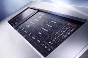 """Nutzer können Sicherheitssysteme wie Sprachalarm und Türsteuerung via """"eMatrix"""" direkt über das Display steuern."""