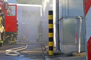 """<div class=""""bildtext"""">Damit die Ausbreitung eines Brandes verhindert werden kann, ist das Studieren der Pläne oder eine Klärung des Sachverhalts mit dem Planer unumgänglich.</div>"""
