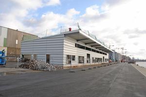 """<div class=""""bildtext"""">Das Cruise Center Baakenhöft wird bis Mitte 2020 fertiggestellt.</div>"""