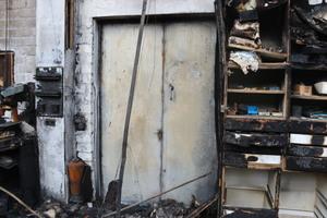 """<div class=""""bildtext"""">Ausgelöst durch einen Rechnerbrand verbreitete sich das Feuer in kürzester Zeit und zerstörte 1.500 m² Produktionsfläche der Tischlerei Biesemann. </div>"""