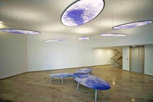 """<div class=""""bildtext"""">""""Kunst am Bau"""": Die """"Sky-Motive"""" der Künstlerin Julia Bornefeld holen den Himmel über Dresden in die Residenz am Postplatz.</div>"""