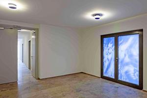 """<div class=""""bildtext"""">Auch an den Brandschutztüren von Vetrotech Saint-Gobain sind die """"Sky-Motive"""" zu sehen.</div>"""